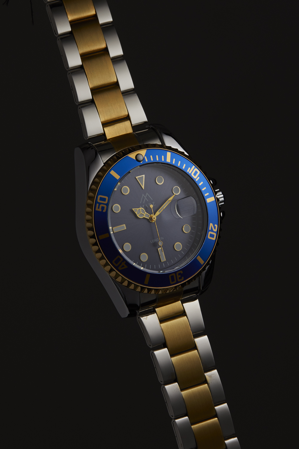 Image of a classic watch with highlight